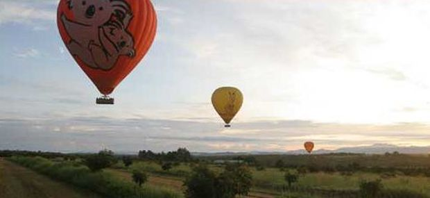 Hot Air Balloon Cairns and Port Douglas Romantic Luxury Tour