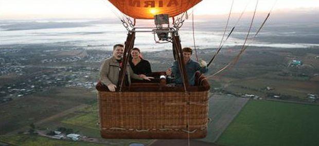 Private hot air balloon charter cairns