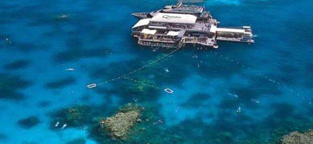 Quicksilver Port Douglas Outer Barrier Reef Pontoon