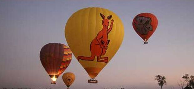 Ballooning with Hot Air Cairns & Port Douglas Inflating